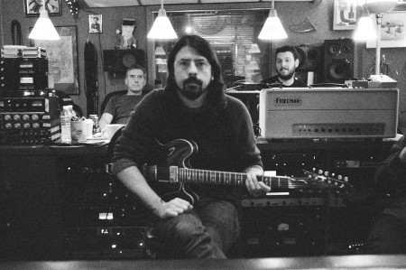 b-and-w-grohl
