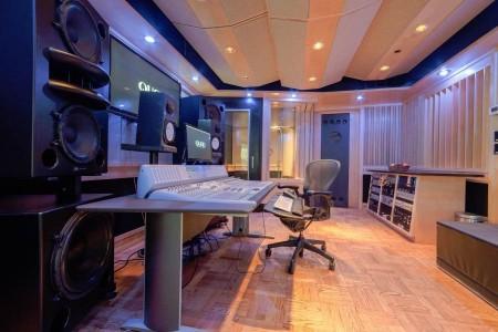 Quad Studios Q2 Room