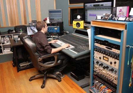 Recording Connection grad Robert Clark